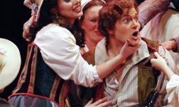 Giannetta in L'elisir d'amore with Joshua Kohl, Virginia Opera